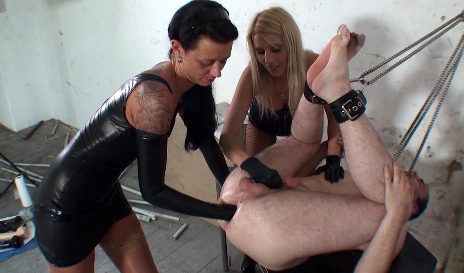 mistress-fisting