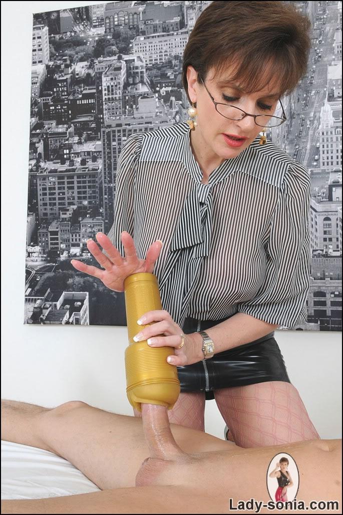 Мужики с мастурбатором